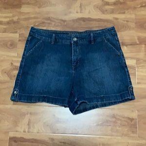 Sonoma lifestyle jeans shorts women size 14 blue